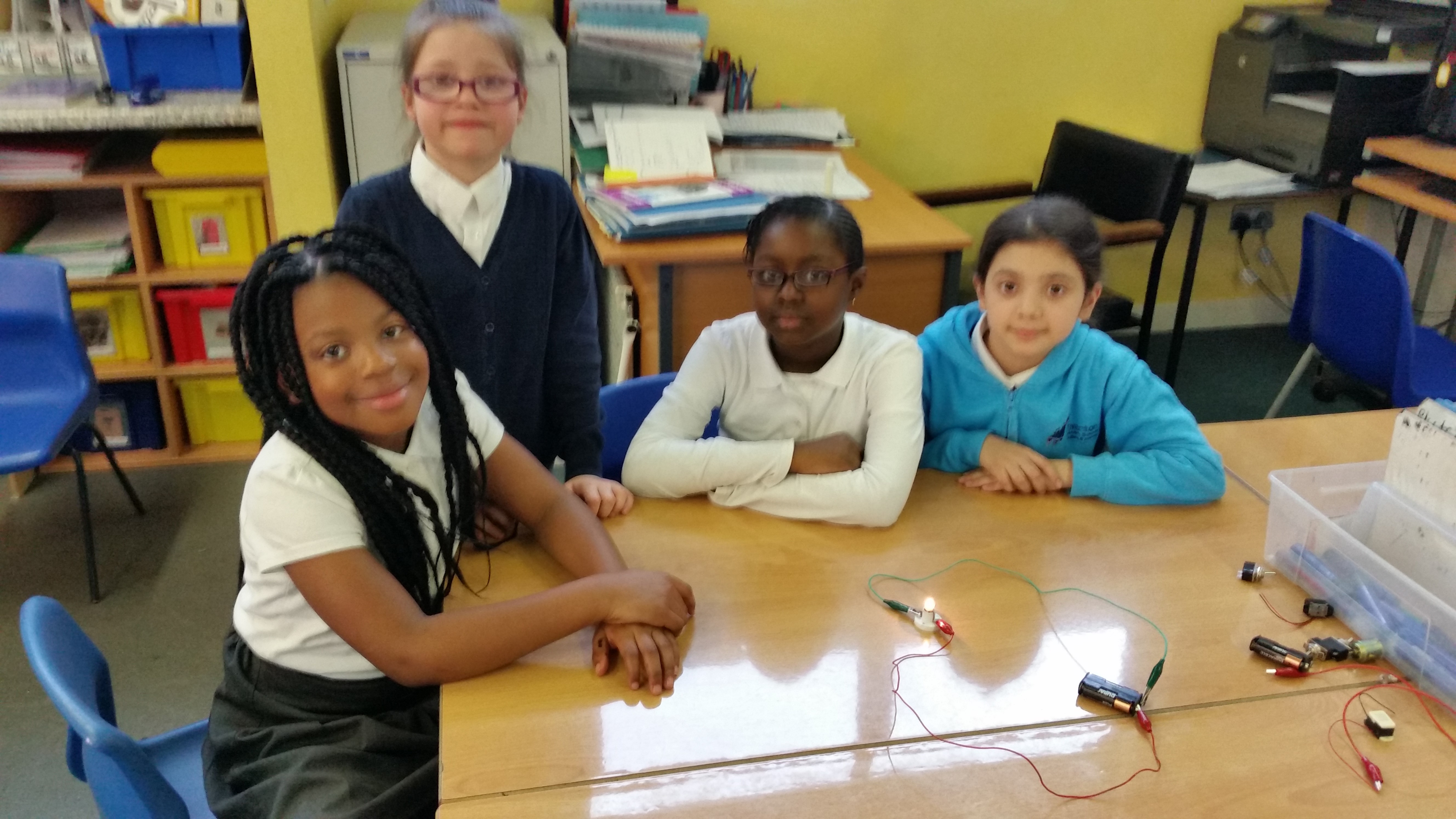 Learning About Electricity Tiverton Primary School Electrical Circuits 20170308 140929 141118 141535 141828 141924 142601